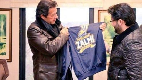 1407191 37205495 - وزیر اعظم عمران خان سے پشاور زلمی کے چیئرمین جاوید آفریدی کی ملا