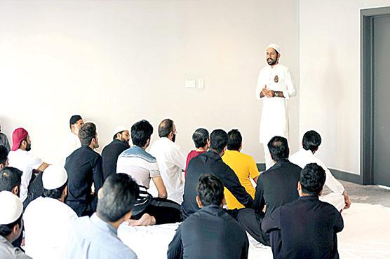 قومی ٹیم کی مانچسٹر میں نماز عید کی ادائیگی،سرفراز نے خطبہ دیا