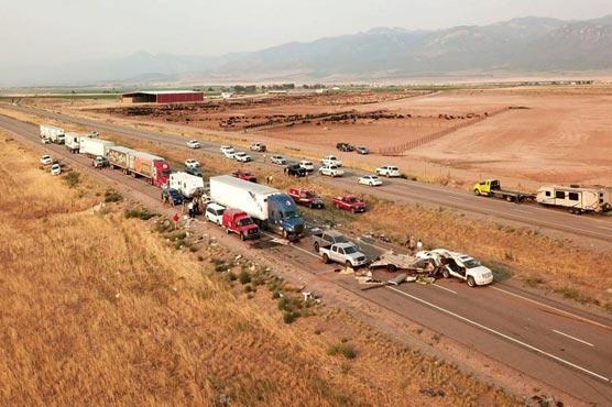 امریکا:ریت کا طوفان،22  گاڑیاں ٹکراگئیں، 8 ہلاک