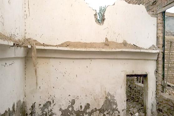 طوفانی بارشوں میں محنت کش  کے گھر کی چھتیں گر گئیں کھلے آسمان تلے رہنے پر مجبور