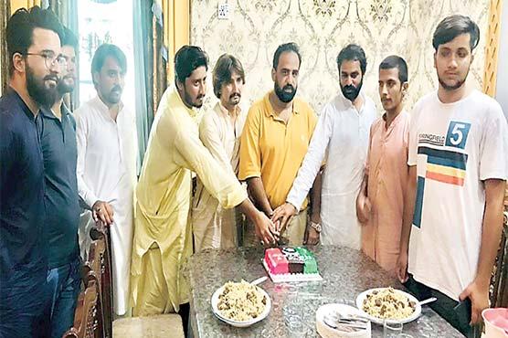 آصف علی زرداری کی سالگرہ کی تقریب ،کیک کاٹا گیا