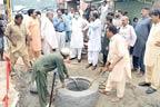 ڈپٹی کمشنر کا علی پور کشمیر نگر  میں سیوریج سسٹم کا جائزہ