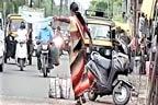 مدہوش خاتون کی ٹریفک کنٹرول کرنے کی ویڈیو وائرل