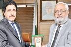 اسلامی یونیورسٹی کے صدرسے پروفیسرڈاکٹر سروش کی ملاقات