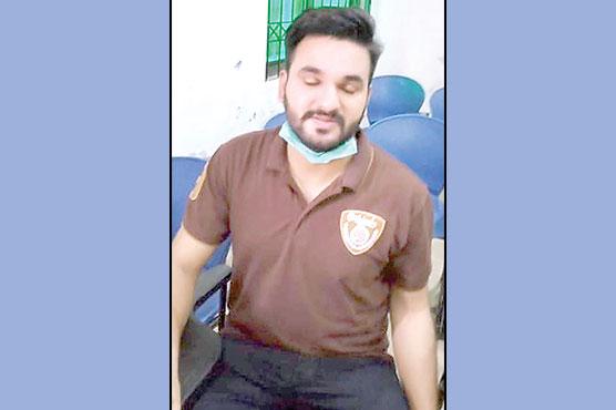 وزیرآباد:پٹواری بننے کیلئے امتحان  دیتا جعلی امیدوار پکڑا گیا ،حوالہ پو لیس