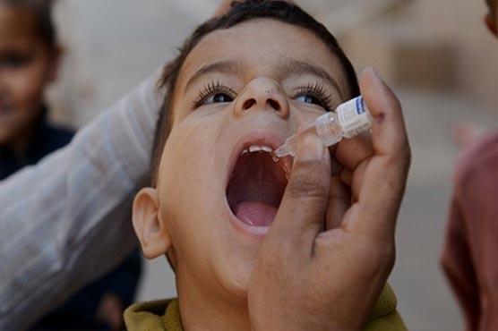 دو روز 77 لاکھ سے زائد بچوں کو پولیو قطرے پلائے گئے