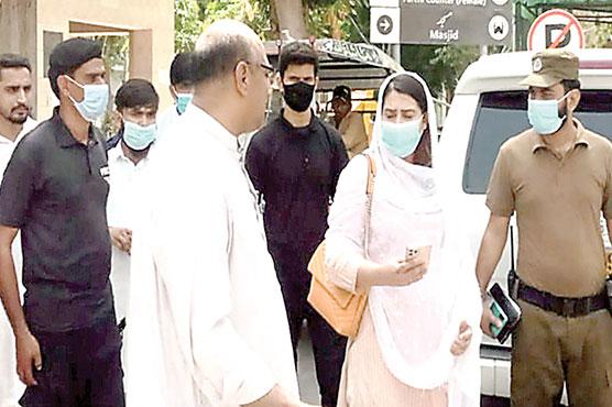 حافظ آباد :ڈپٹی کمشنر نورش صباء کا ڈی ایچ کیو ہسپتال کا دورہ