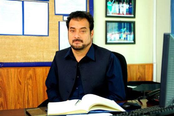 رکن اسمبلی صداقت عباسی کا پولیس لائن میں کنٹرول روم کا دورہ