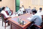 اسسٹنٹ کمشنر صدر کی ریونیو  افسروں سے میٹنگ