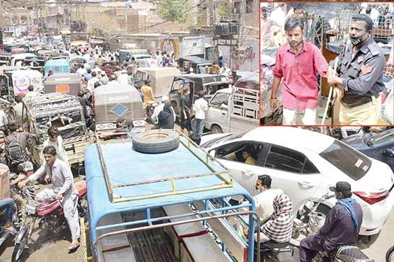 حیدرآبا، بازار2بجے بند کئے جانے پر بدترین ٹریفک جام