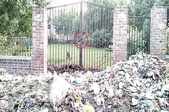 لدھیوالہ:گیٹ پر تالے ،کوڑے  کے ڈھیر ،پارک چراگاہ میں تبدیل