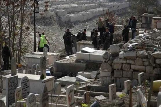 اسرائیل نے مسجد اقصیٰ کے قریب  مسلمانوں کا قدیم قبرستان مسمار کردیا