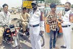 کم عمر ڈرائیوروں کے  خلاف کارروائیاں جاری