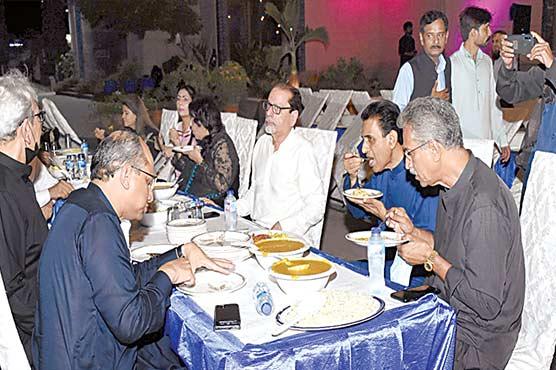 آرٹس کونسل کی جانب سے دعوت حلیم کا اہتمام