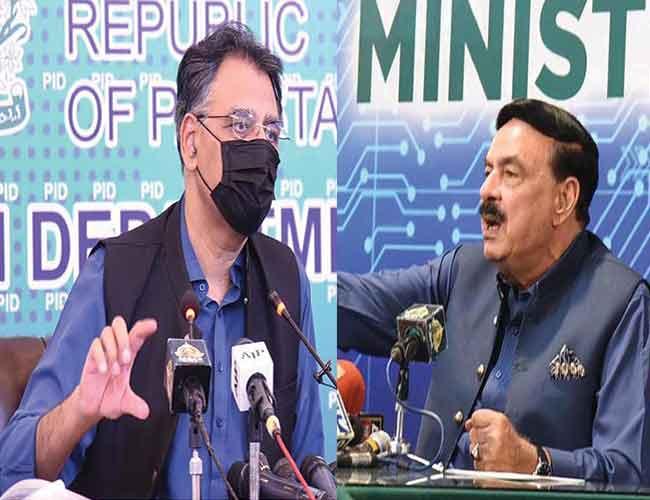 اسلام آباد:وفاقی وزرا اسد عمر اور شیخ رشید پریس کانفرنس کرتے ہوئے